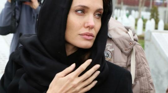 Angelina-Jolie-thumb